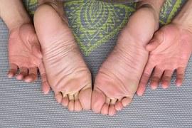 feet-1459461__180