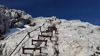 climbing-824376__180
