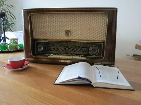 radio-476457__340