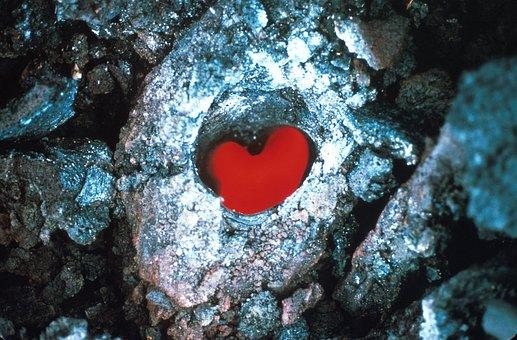 lava-flow-1803289__340