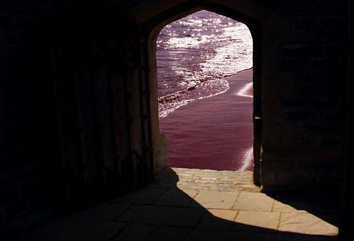 doorway-981803__340