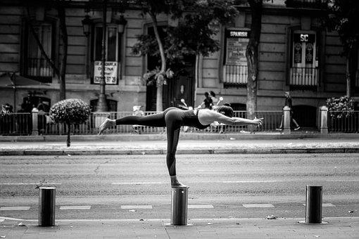 yoga-2137288__340
