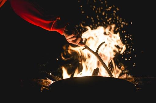 campfire-1031162__340